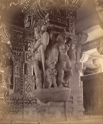 Close view of pillars with sculptured figures in a colonnade of the Ramalingeshvara Temple, Rameswaram 10032357